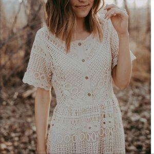 Eyelet crochet midi dress M